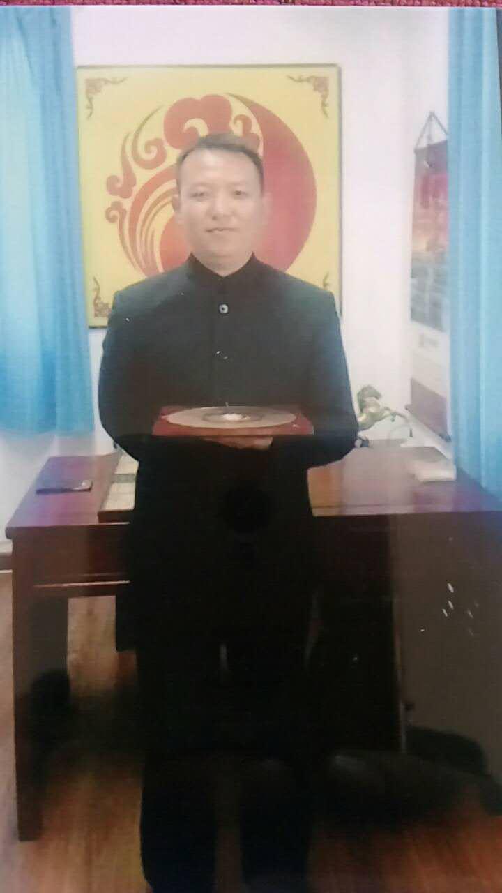 丁俊华先生